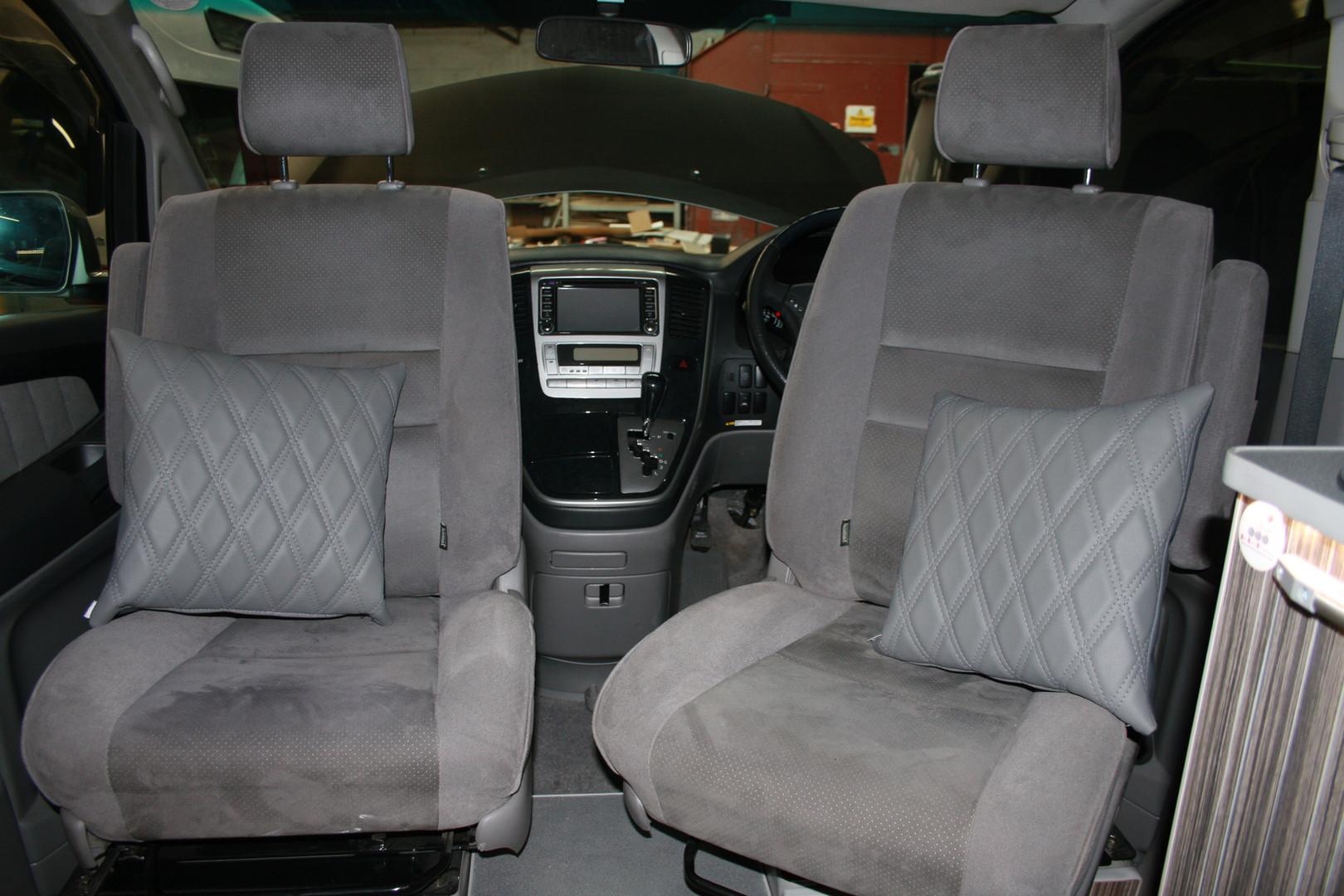 Toyota alphard camper (15).JPG
