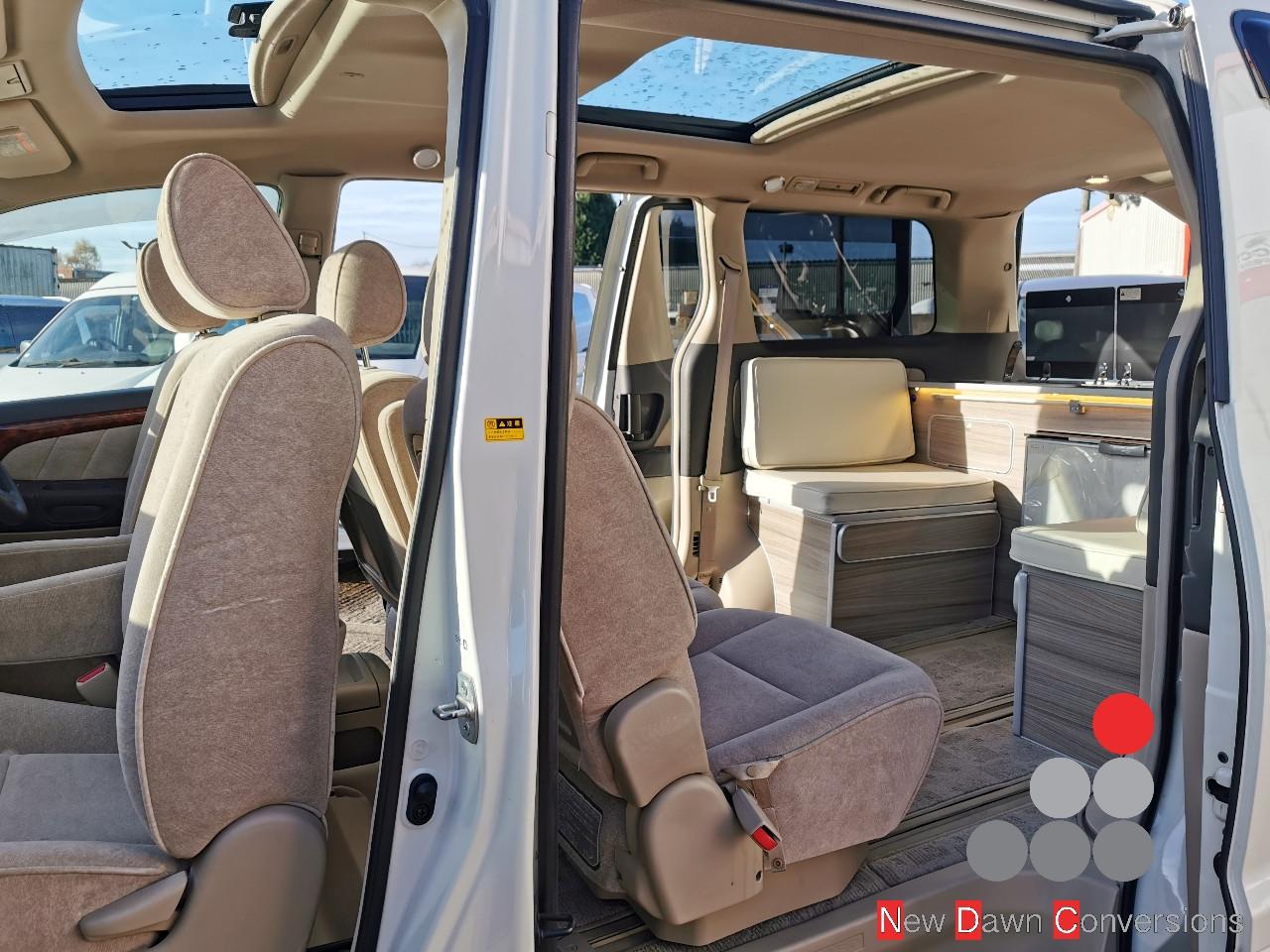 Toyota Alphard NDC0163 (14).jpg
