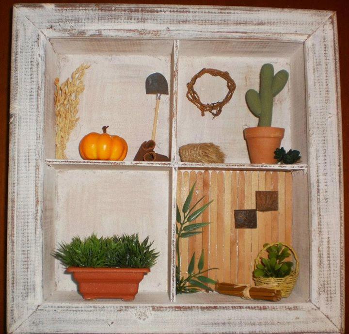 Mini quadro com miniaturas de jardinagem