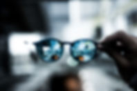 eyeglass-2589290_640.jpg