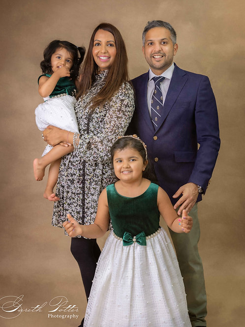 Children and Family Portrait Session + Mini Package