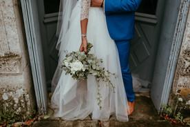 couple bouquet bride floral design label
