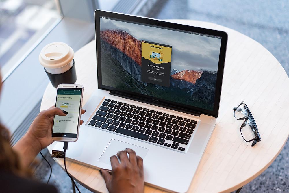 Earn bitcoin with money making app honeygain