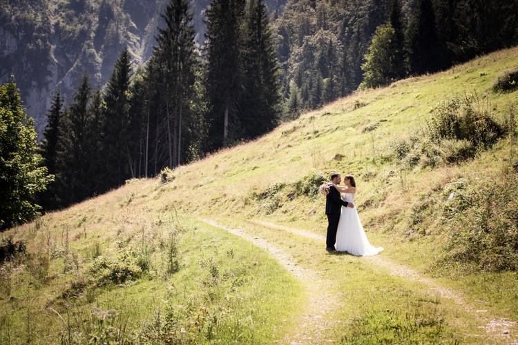 Hochzeit Fotograf Almhochzeit.jpg