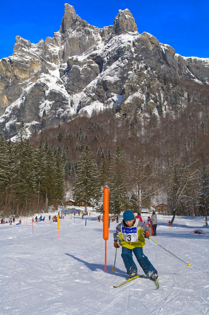 Ski de fond devant la corne du Chamois