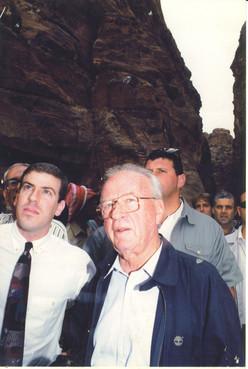 גלעד עדין - הנחיית אירוע עם ראש הממשלה, יצחק רבין