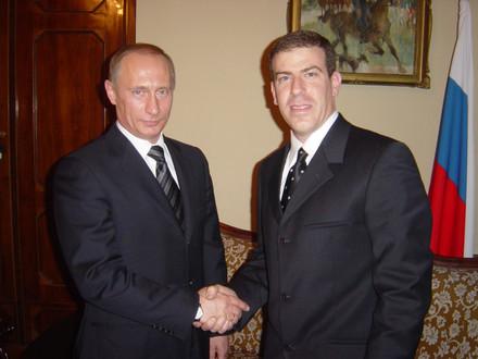 גלעד עדין בהנחיית טקס עם נשיא רוסיה, פוטין