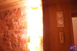 Стена из гималайской соли в сауне