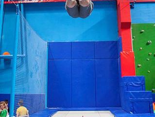 1 час прыжков на батуте для одного или двоих под руководством профессионального тренера в центре «Вы