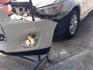 RVR Fバンパーのキズ、変形、ワレの修理