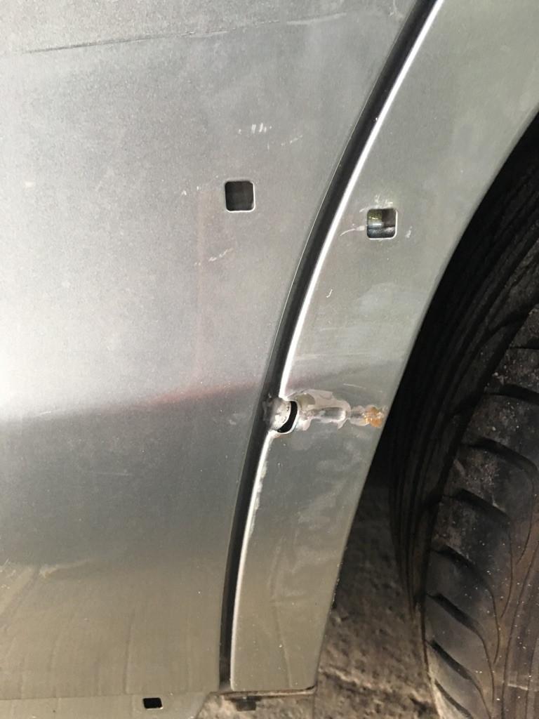 自動車 修理 板金