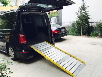 Engelli araç rampası