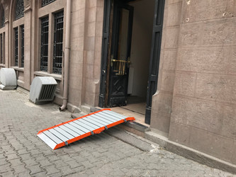 foldable wheelchair ramp