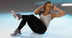 pop-hits-workout-reebok-hero-2-jpg_274-3