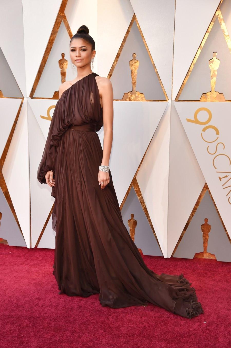 Zendaya wearing Giambatista Valli Oscars 2018