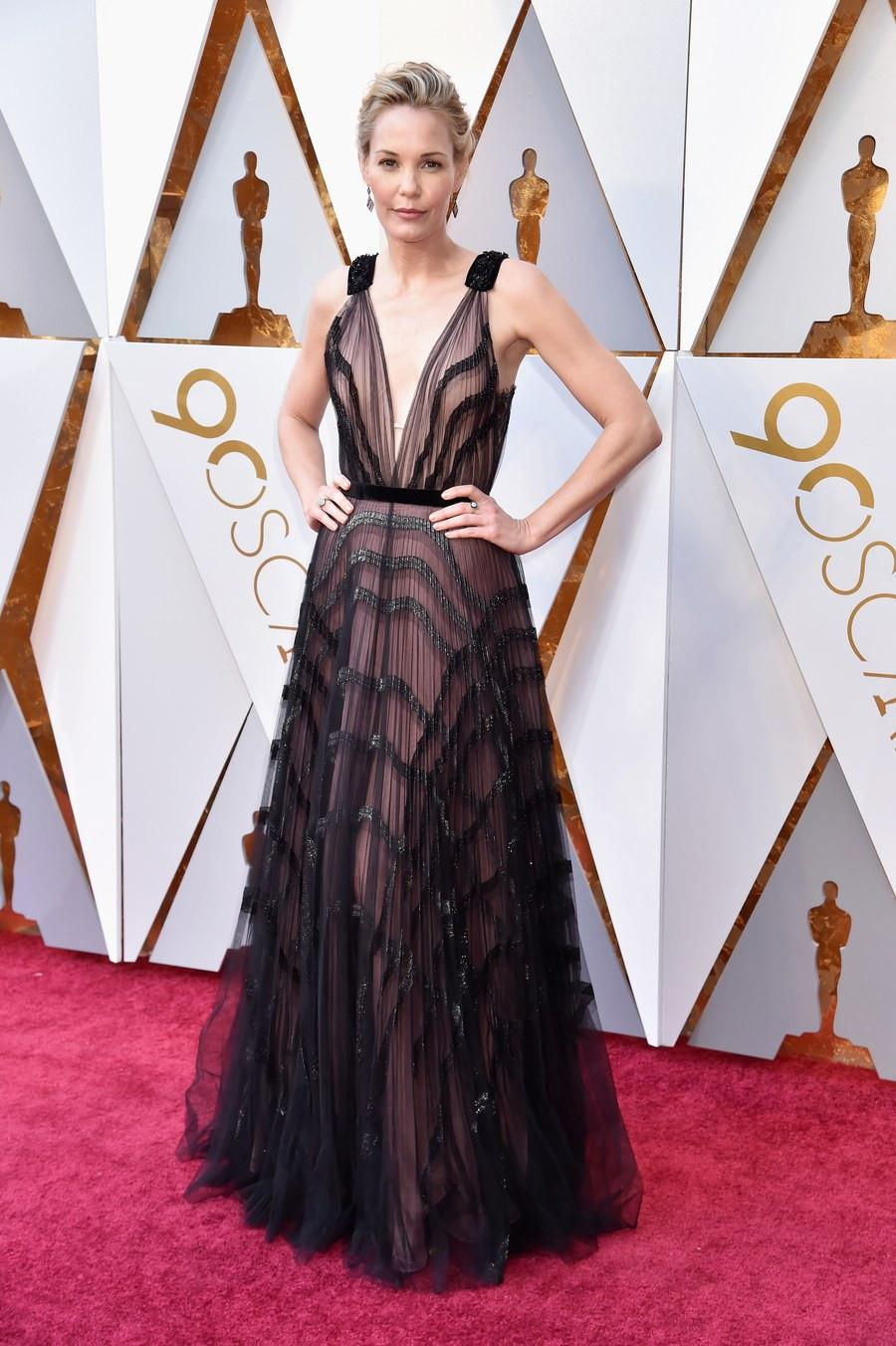 Leslie Bibb wearing J. Mendel Oscars 2018