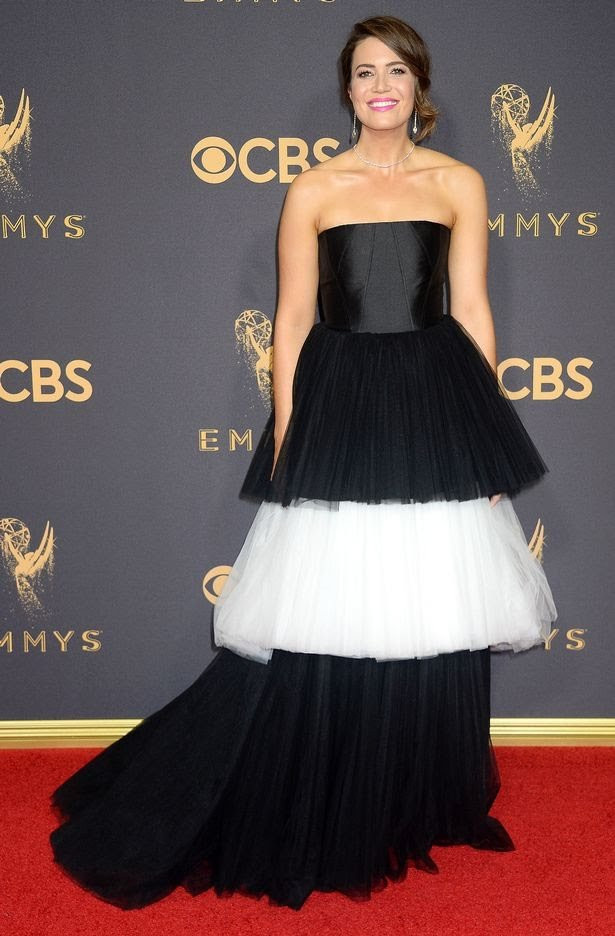 Mandy Moore in Carolina Herrera