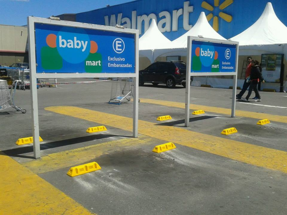 Wall Mart-Topes de estacionamientos