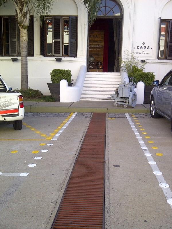 Sendas peatonales y estacionemientos