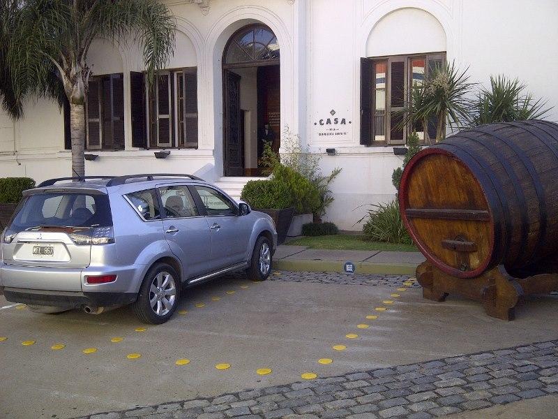 Cerveceria Santa Fé: Demarcación de estacionamientos