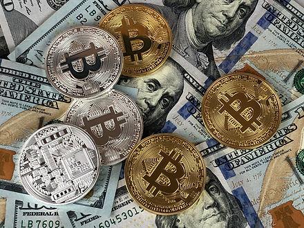 Bitcoin_Dave McBee_goodfreephotos-com.jp