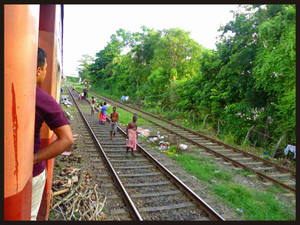 8th Day: Stunning train ride to Kandy & the monsoon
