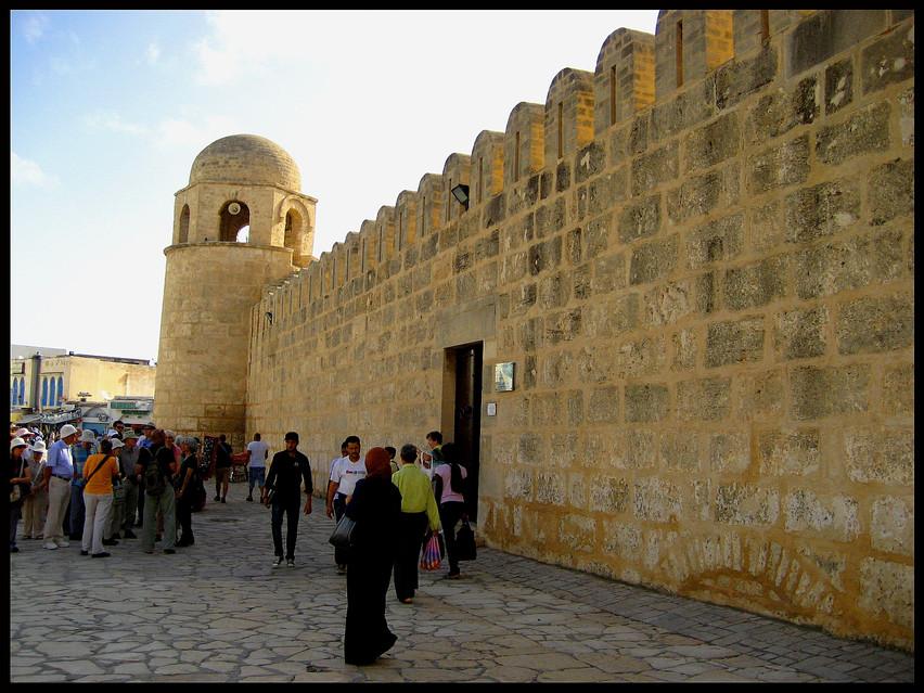 Medina, Outside