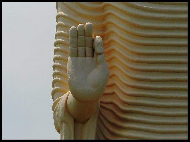 Tsunami monument Statue-Hand