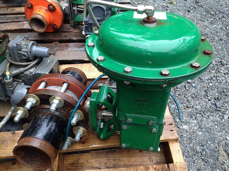 FISHER 4 INCH TYPE 8560 CLASS 150 1051 ACTUATED BUTTERFLY VALVE