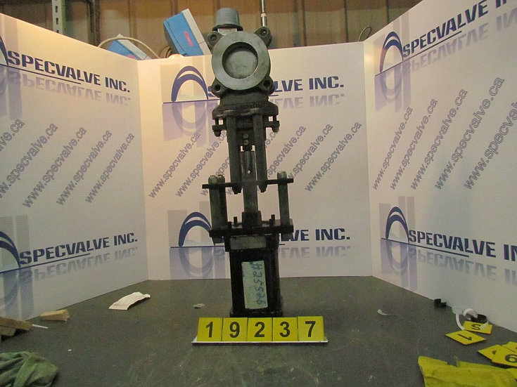 ORBINOX CF8M 3in. CL150 PNEUMATIC KNIFE GATE VALVE