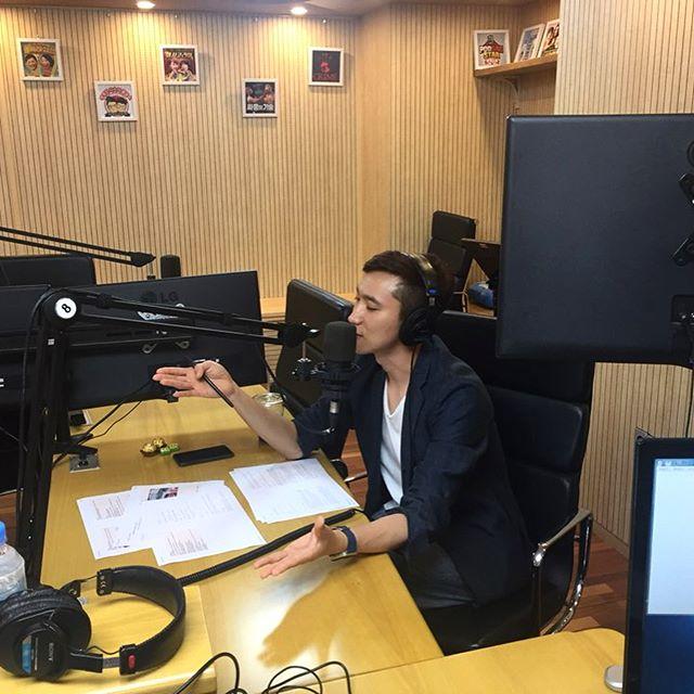 라디오방송중