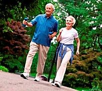 Pronta rehabilitación en reemplazo de rodillas y cadera, cuidado de excelencia