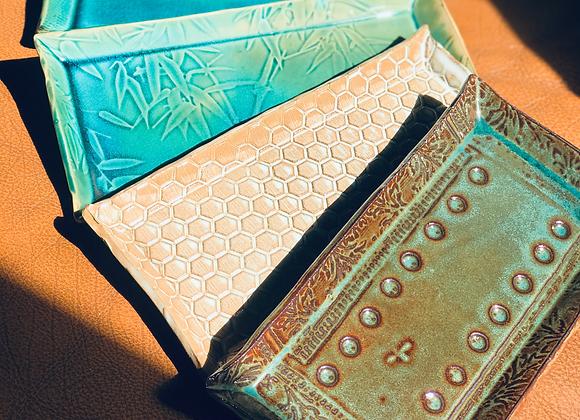 Decorated trays- Plateaux décorés