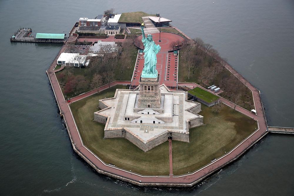 estátua da liberdade vazia