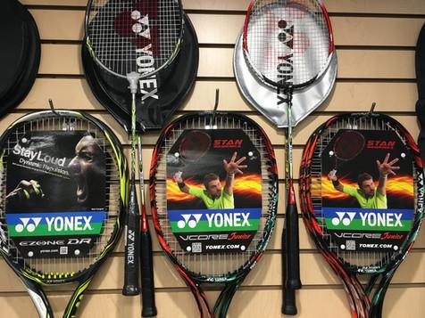 Raquettes de tennis et de badminton