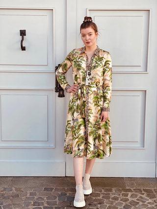 Kleid: Emily van den Bergh bei U I SHE