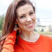 Lisa Burke headshot