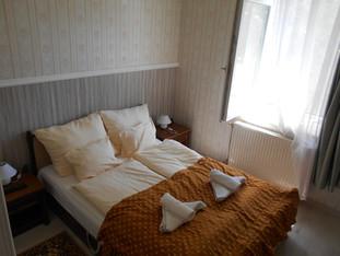 14. Kastélyszoba