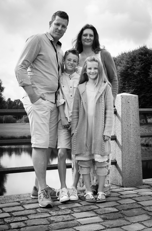 Familienfoto am Steg