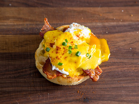 EGGS BENEDICT WITH BLENDER HOLLANDAISE SAUCE