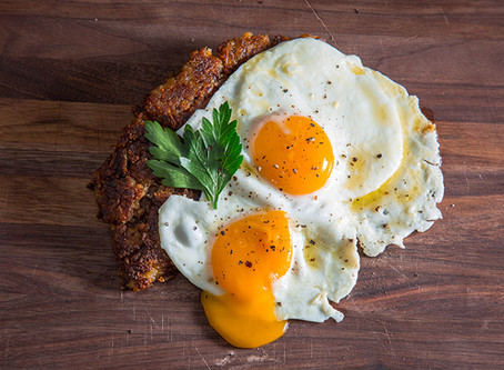 EGGS SUNNY SIDE UP AND DINER STYLE HASH BROWNS