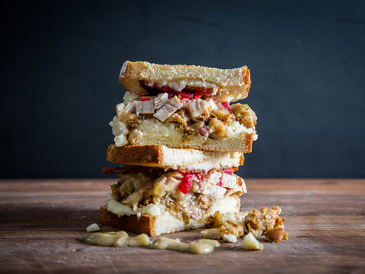 THE ULTIMATE THANKSGIVING LEFTOVER TURKEY SANDWICH