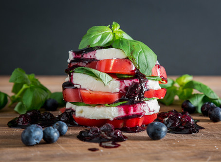 how to make CAPRESE SALAD with BLUEBERRY BALSAMIC REDUCTION