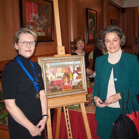 Ruth_Mayerhofer-Grünbühel védnök, az osztrák nagykövet felesége
