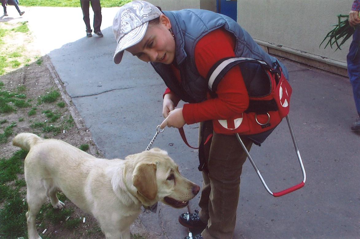 Happy 1. vakvezető kutyánk munkában Barbarával