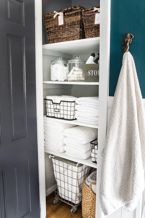 Linen-Closet-Organization-1-of-1-683x102