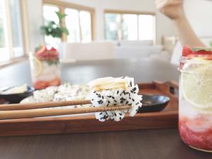 아보카도+오이가 있다면, 김밥보다 10배 간단한 아보카도 오이 롤!