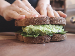 아보카도 샌드위치 | 아보카도 스프레드 만들기 | 아보카도 1 분 만에 익히는 방법