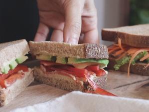 피망 샌드위치 | 허머스+채썬 피망+아보카도 샌드위치