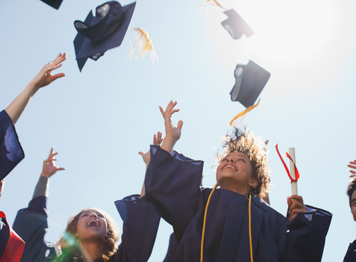 35+ Great Graduation Gifts for High School and Middle School--Teen Approved!
